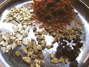 桃紅四物湯材料
